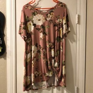 Knotted floral shirt